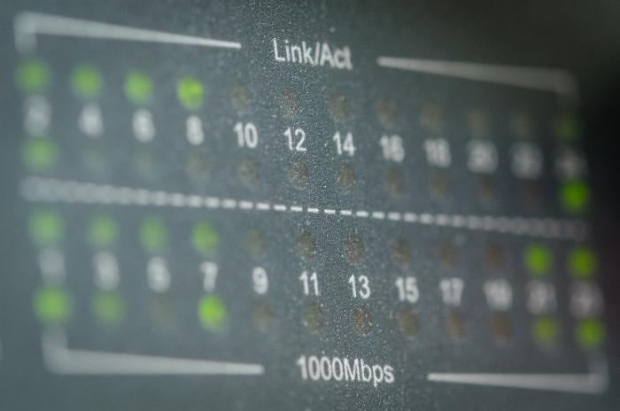 Switch gigabit retea