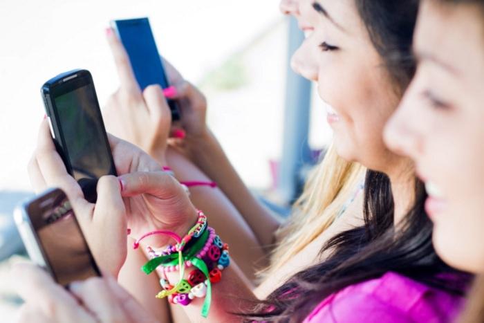 Smartphone-uri online