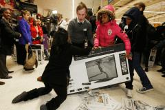 Black Friday, pe masa Parlamentului din Marea Britanie